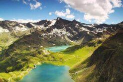 Water tussen bergen